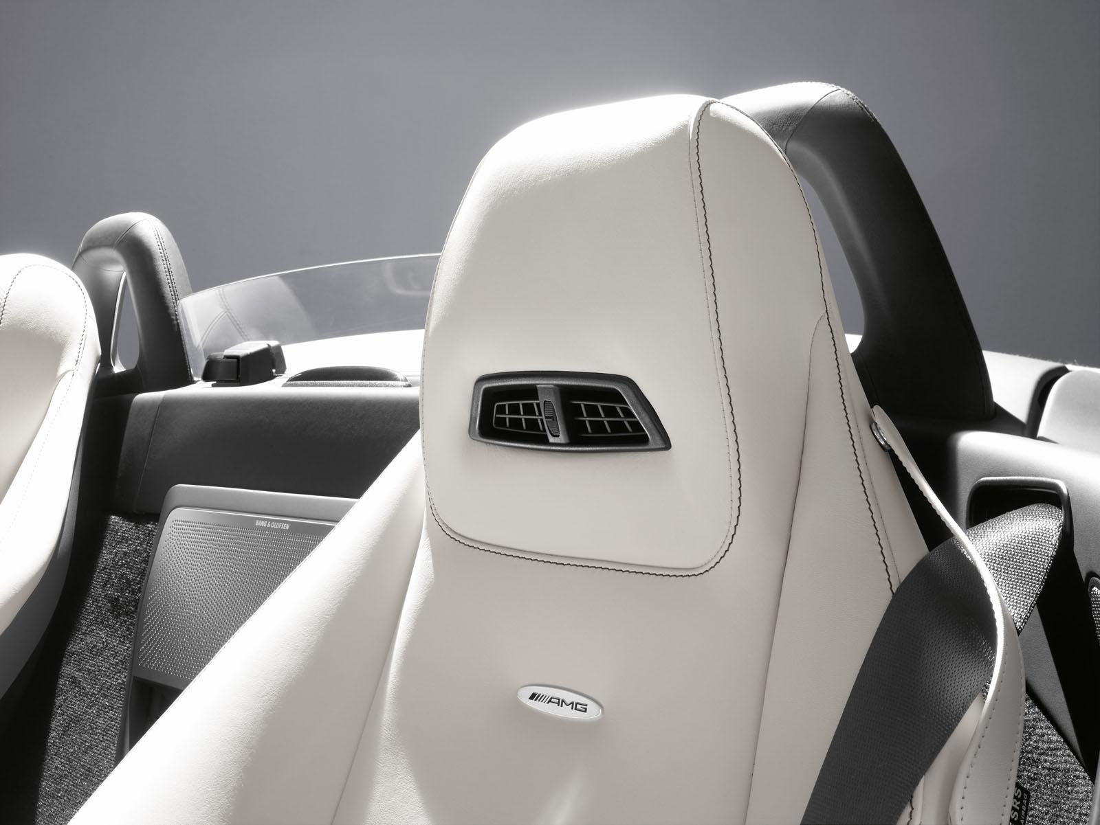 Sls Amg Roadster Interior The Sls Amg Roadster Will Have