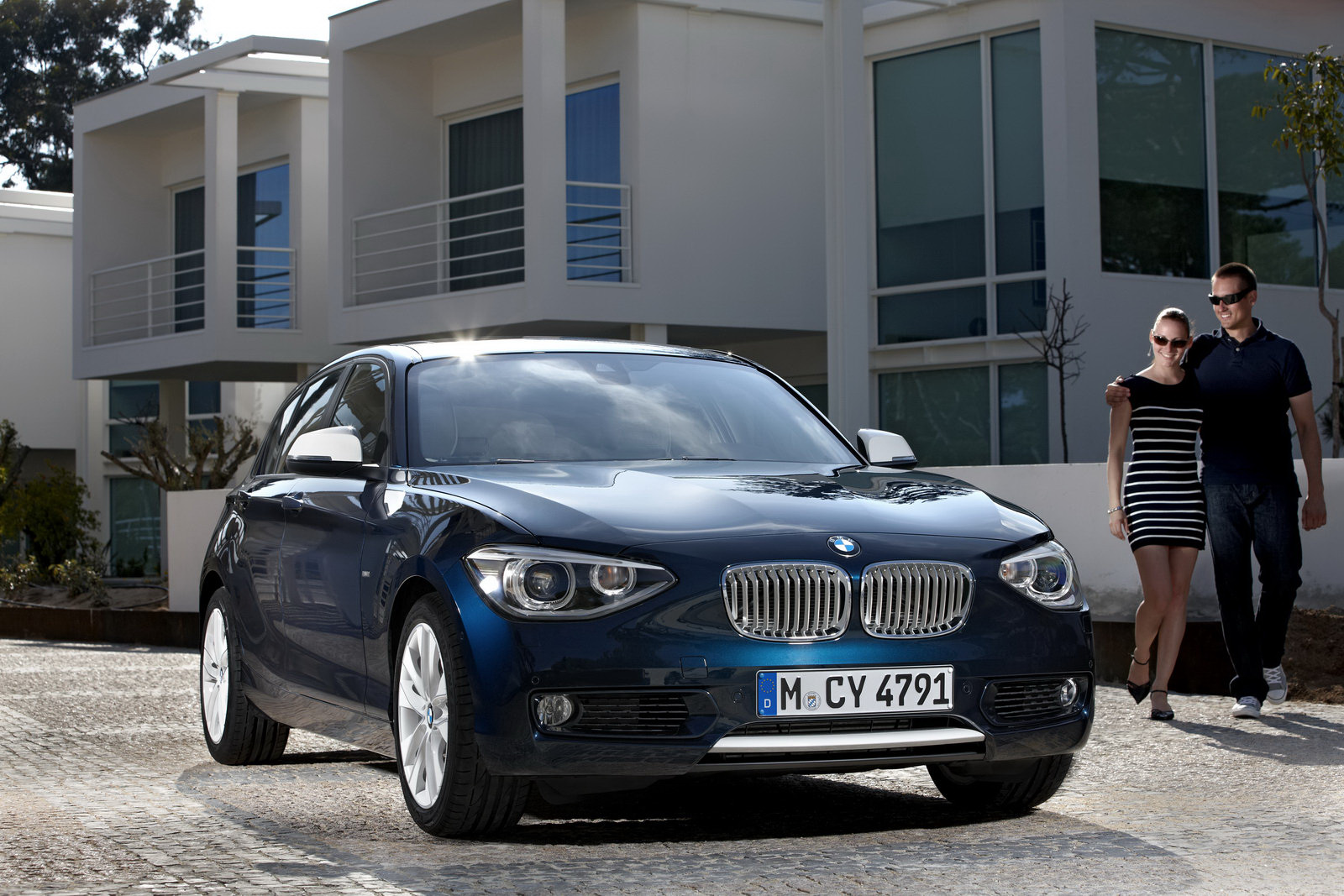 BMW 1 Series 2011 Car Wallpaper